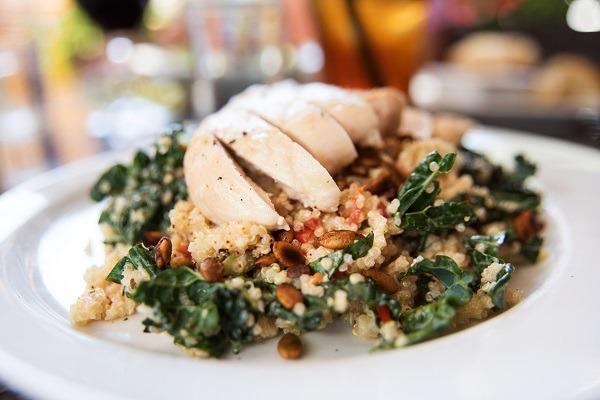 Salade de Poulet et Choux Frisé